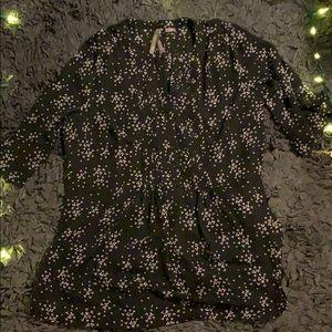 Feminine leaf print black tunic shirt